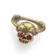 Memento Mori skull ring with rubies.