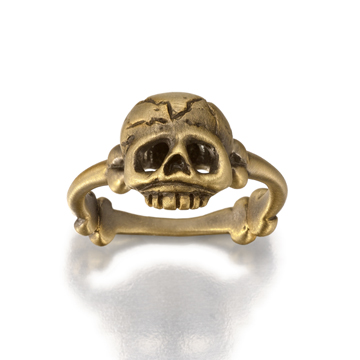 Memento Mori skull and bones ring.