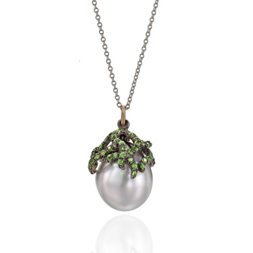 Wendy's redesigned pearl pendant.