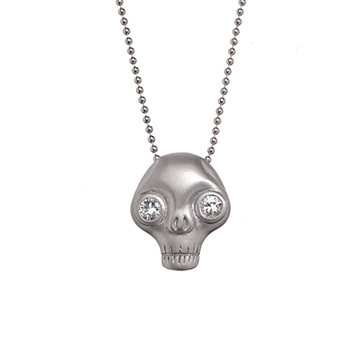Juana skull necklace.