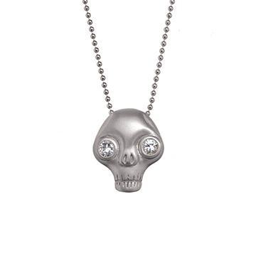 Juana skull necklace.