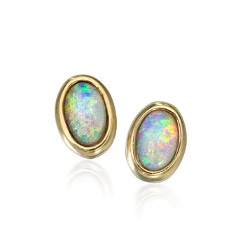 Opal studs in 18K yellow gold.