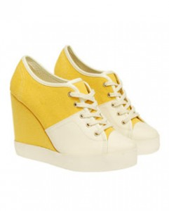 Casting Call for Bloggers Wearing Wedge Sneakers